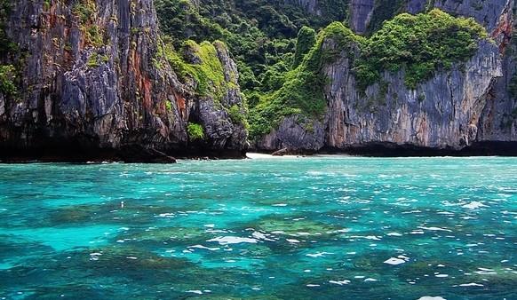 小姐选美的外景拍摄地之【帝王岛】(又叫鸡蛋岛)(船程约30至40分钟;停